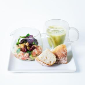 キヌアのティーポットサラダとスープ